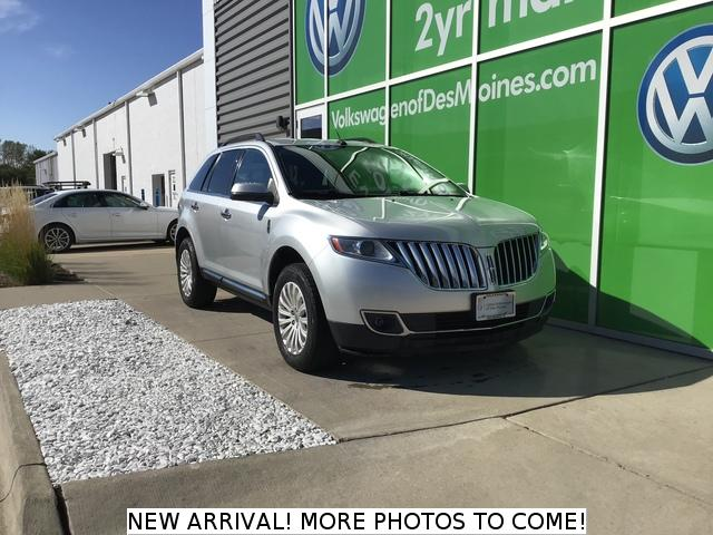 Pre-Owned 2012 Lincoln MKX FWD 4dr
